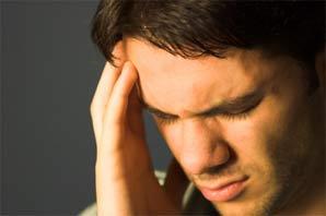 man-met-hoofdpijn