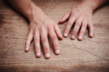 pijnlijke handen reuma