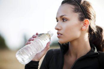 Kan te veel water drinken gevaarlijk zijn?