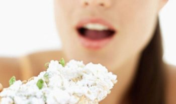Opgeblazen gevoel? Dat kan een teken van lactose-intolerantie zijn