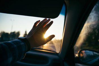 Zelf een ongeval veroorzaakt, maar toch je schade vergoed krijgen: de schadeverzekering voor inzittenden of opzittenden