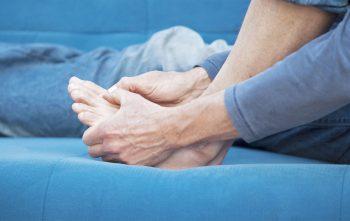 Kramp in je tenen? Dit kan de oorzaak zijn