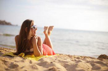 Zo kun je een zonneallergie voorkomen
