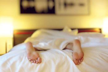 Waarom slapen zoveel vrouwen in de (post)menopauze slecht?