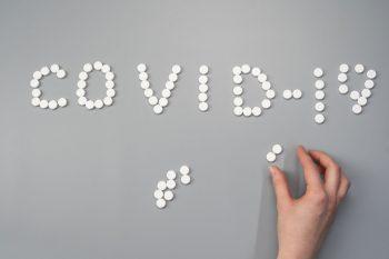 Mogelijke oorzaken chronische klachten na COVID-19