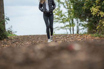 De gezondheidsvoordelen van dagelijks een uurtje wandelen